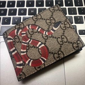 Gucci Accessories - Snake Gucci Wallet